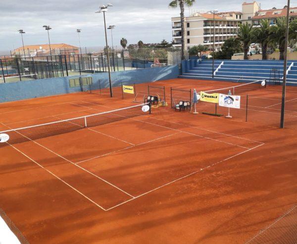 Pista de tenis construida con Grass-Clay